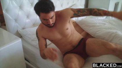 Девка изменяет своему парню с брутальным негром и кайфут от жаркого секса #5