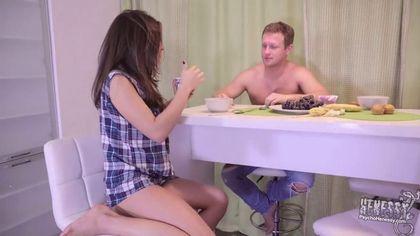 Мужик отблагодарил девку за ужин жарким анальным сексом #1