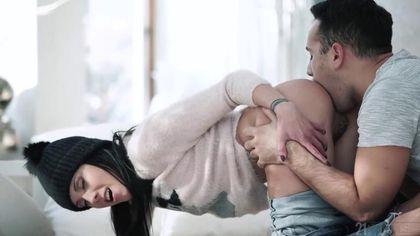 Девушка дарит другу на день рождение первый анальный секс #3