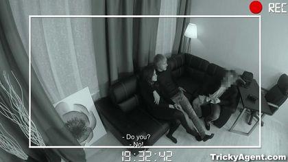 Папаша наблюдает с кресла, как сын трахается с новой подружкой без гондона #4
