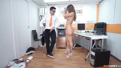 Начальник принимает на работу бухгалтершу после секса на столе #8