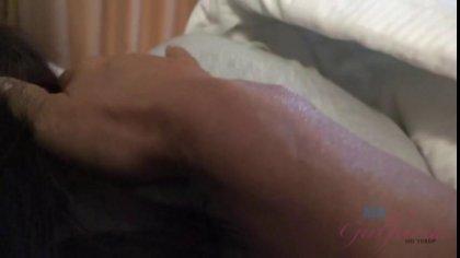 Симпатичная телка проснулась от проникновений брата в ее киску #1