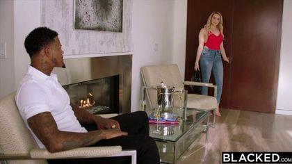 Негр позвал друга, чтобы вместе отыметь сексуальную блондинку #3