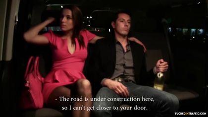 После вечеринки телка устроила секс в машине со своим водителем #1