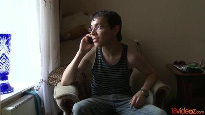 Парень напоил жену и посмотрел на ее секс-еблю с красивым соседом #1