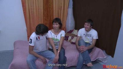 Парень посмотрел и подрочил на то, как жена ласкает чужой хер перед ним #3