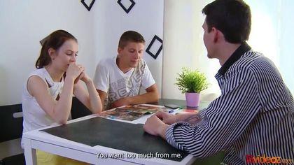 Учитель выебал студентку перед ее возлюбленным прямо на столе #3