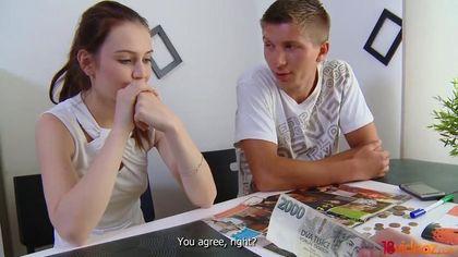 Учитель выебал студентку перед ее возлюбленным прямо на столе #4