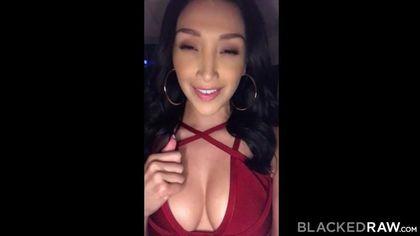 Девица приехала с вечеринки к негру ради орального и вагинального блаженства на огромном члене #1