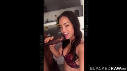 Черный поднял на кухне на руках девушку и жестко драл членом в писю #4