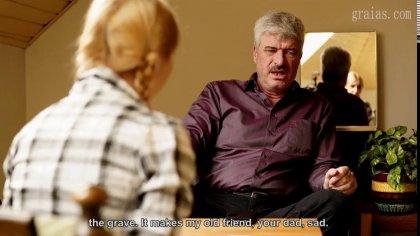 Зрелый мужик устроил жесткое наказание для голой девушки с косичками #3