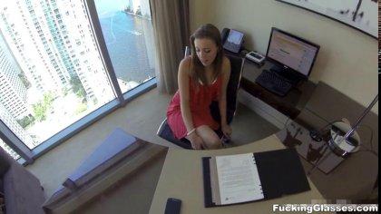 Девушка сосет член и трахается стоя на собеседовании с будущим начальником #4