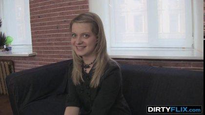 Молодую блондинку заманили на порно кастинг, где ее ждал жаркий секс #2