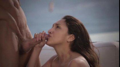Влюбленная пара устроила красивый секс в разных позах на свежем воздухе #10