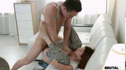 Рыжая девушка сама напросилась на грубый и жесткий анальный секс #4