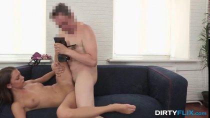 Стройная цыпочка отсасывает член агента и трахается в киску перед камерой #10